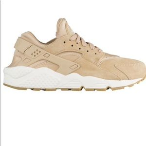 Womans Air Huaraches Run SD